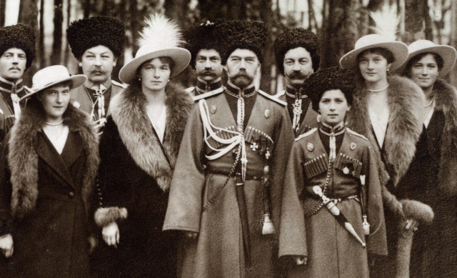 Nicholas_II_and_children_with_Cossacks_of_the_Guard_cropped